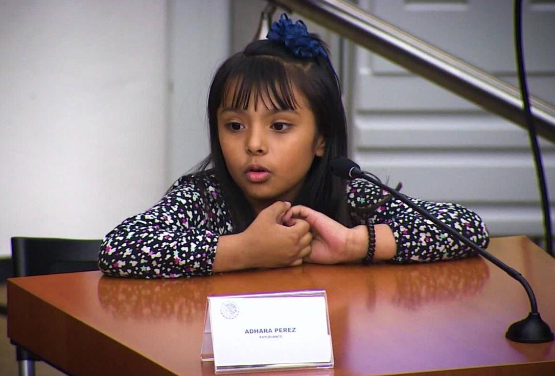 adhara niña mexicana 1