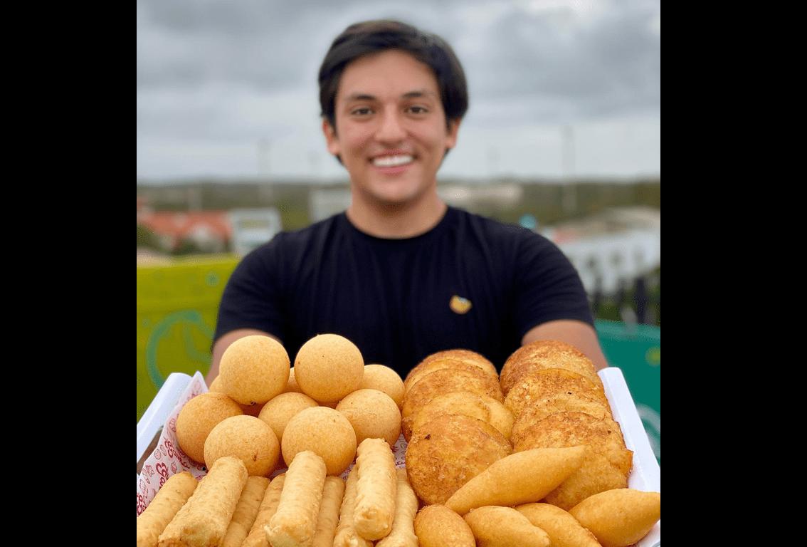 vendiendo empanadas 3